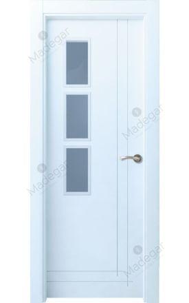Puerta interior actual lacada Innova, termo-acústica ld7 Valsaín 8C 3VD, blanco. Madegar