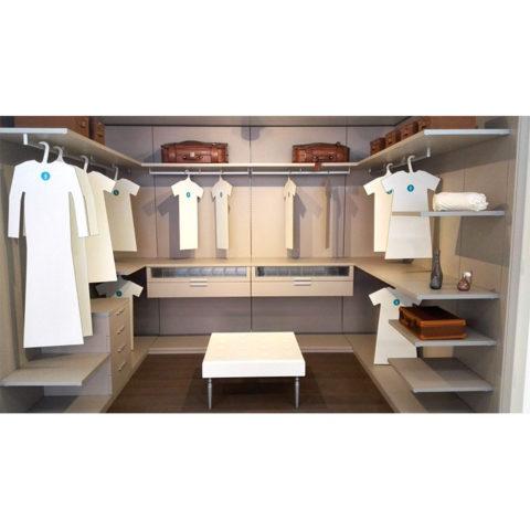 Vestidor-lacado-en-color-claro-y-tacto-seda-con-diseno-modular
