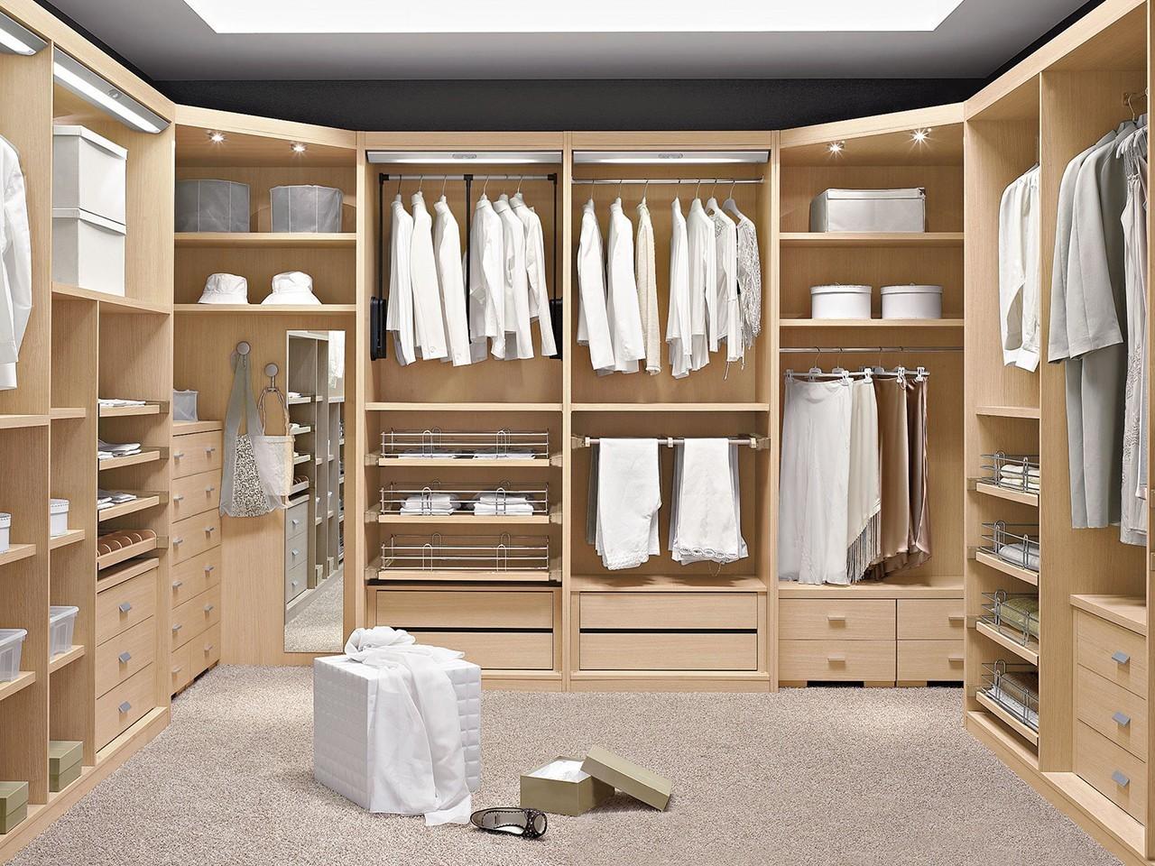 Un vestidor para cada estilo de casa for Medidas closets modernos