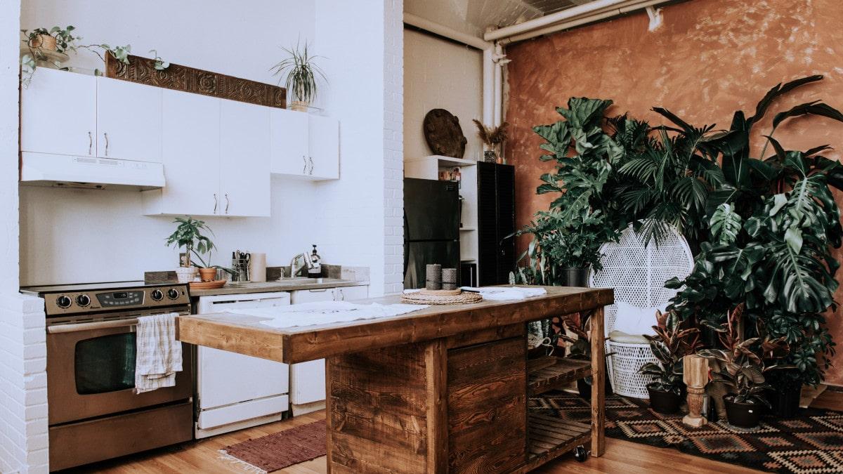 ¿La cocina y el baño son compatibles con los suelos de madera?