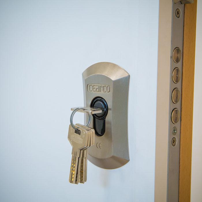 puerta de seguridad blindada acorazadas malaga 01
